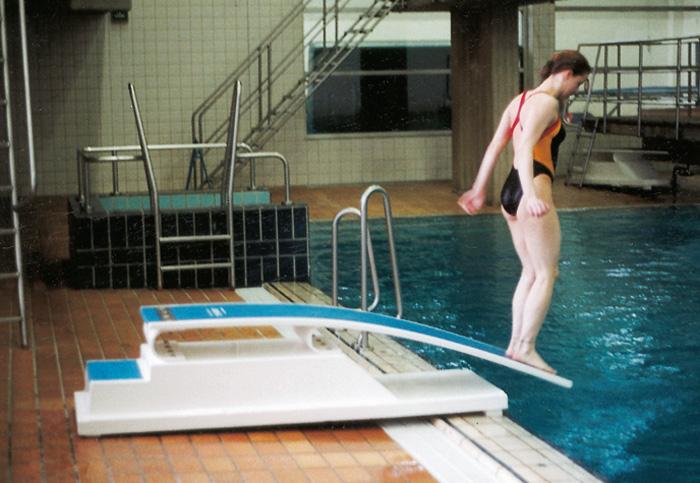 трамплин для прыжков в воду фото
